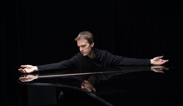 피아노계의 프렌치 시크, 알렉상드르 타로